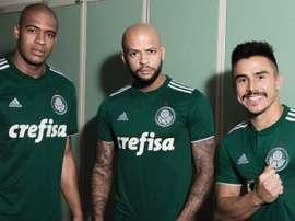 Felipe Melo (centro) não enfrenta o Alianza Lima pela Taça Libertadores. Twitter/Palmeiras