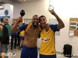 Nsue y Roberto Lago lo celebraron a lo grande. Twitter/apoelfcofficial