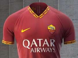 Le nouveau maillot de la Roma dévoilé. OfficialASRoma