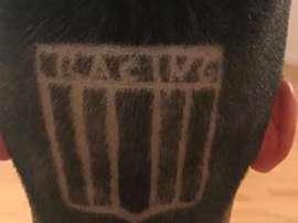 Muchos comparan su nuevo peinado con los 'looks' atrevidos de Pogba. Twitter