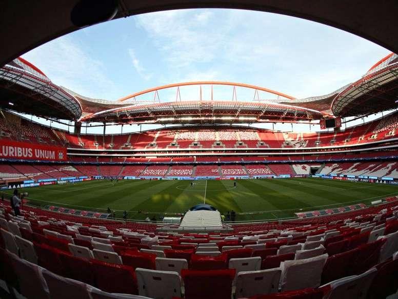 Estádios portugueses permanecerão vazios quando a bola voltar a rolar. Twitter/maisfutebol