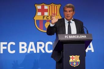 Laporta pretende hacer cambios en los Estatutos del Barcelona. EFE