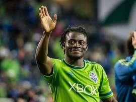 Obafemi Martins deja de ser jugador del Seattle Sounders para fichar por Shanghai Shenhua. Twitter