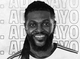 Olimpia anuncia a chegada de Emmanuel Adebayor. Twitter/elClubOlimpia