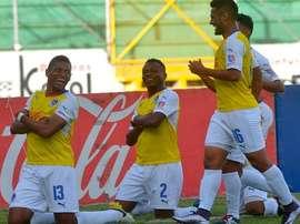 Olimpia celebra uno de los cuatro goles que le dieron la victoria ante Vida. Twitter