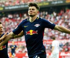 Oliver Burke, jugador del RB Leipzig, está creciendo a pasos agigantados. EFE