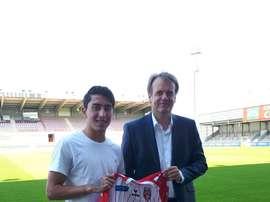 Omar Govea, nuevo jugador del Royal Excel Mouscron. ExcelMouscron