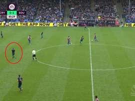 Oriol Romeu jugó ante el Crystal Palace sin nombre ni dorsal. Twitter