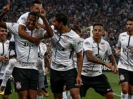 Jô surge como alternativa para o ataque do Corinthians. EFE