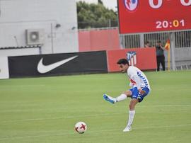 Óscar Valentín está deseando volver a jugar en el Cerro del Espino. Twitter/OscarValentin94
