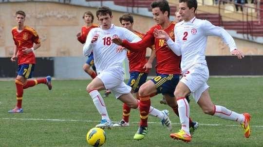 Otar Kakabadze es internacional con Georgia y juega de lateral derecho. UEFA