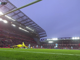Chute colocado, e gol do Liverpool. Twitter/SkySports