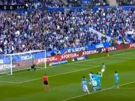Busquets accroche Llorente et offre un penalty à la Real. Capture/Movistar