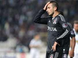 Ozyakup disputa un partido con el Besiktas. Twitter