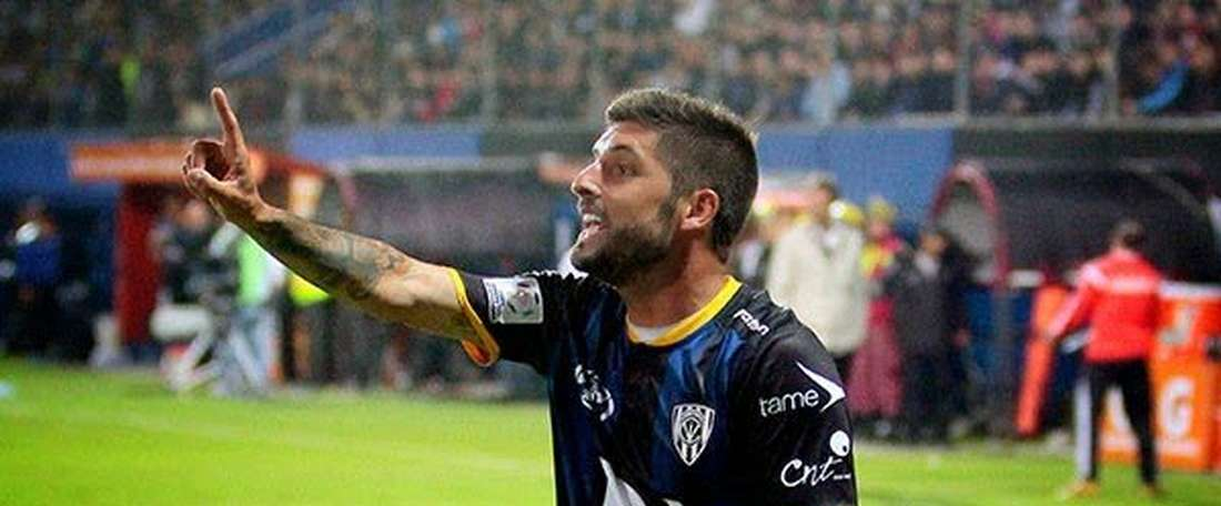 Pablo Caballero, nuevo jugador del Racing de Montevideo, en un partido con el Independiente del Valle. Twitter
