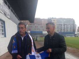 Paco Parreño ha sido presentado como nuevo entrenador del Real Avilés. RealAvilésCF