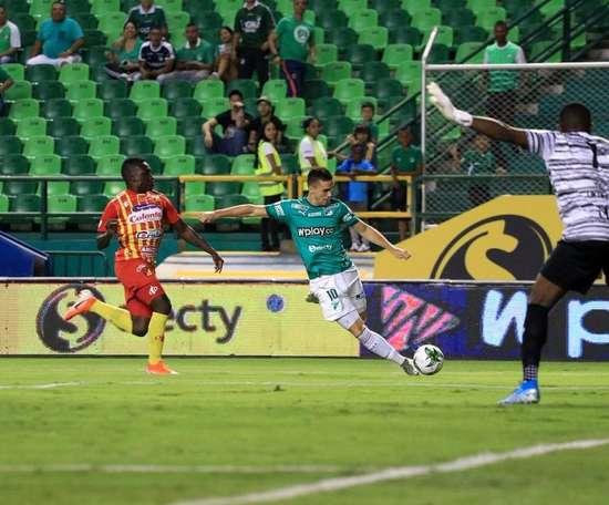 Molina deja caras para un cuadro en Cali. DeportivoCali