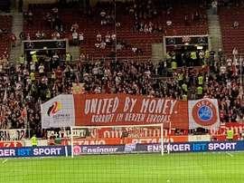 Pancarta contra la Euro 2024 de los aficionados del Stuttgart. Twitter/RikyPalm