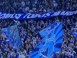 Los hinchas del Oporto mostraron su apoyo a Marega. Twitter/FCPorto_Actus