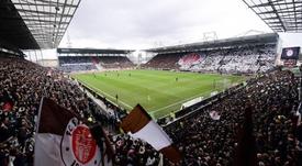 El ambiente en el Millerntor-Stadion estuvo a la altura del derbi. FCStPauli