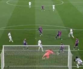 Roberto made a fine save to deny Fede Valverde. Captura/Movistar