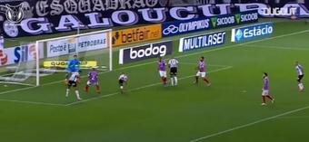 VÍDEO: Mateus Claus se lució con esta brutal parada ante Mineiro. DUGOUT