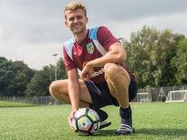Bamford no quiso jugar en el Championship con el Villa y se fue al Burnley. BurnleyFootballClub