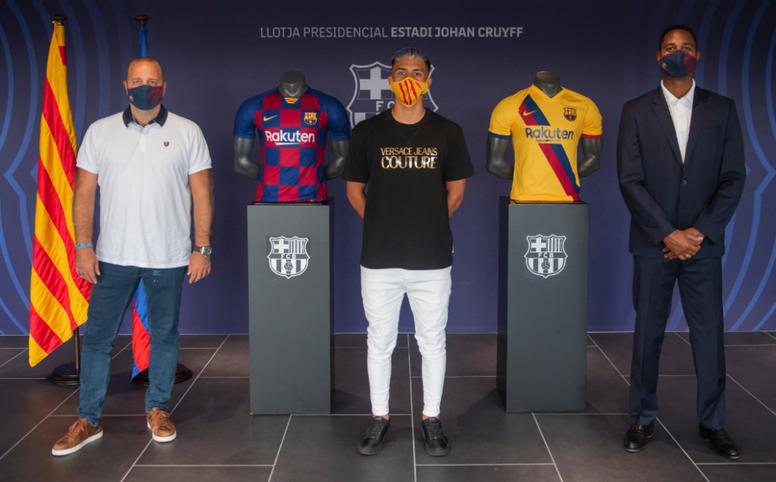Diego Almeida has signed a renewal. FCBMasia