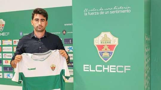 El Elche dio la bienvenida a Pau Quesada. Twitter/elchecf