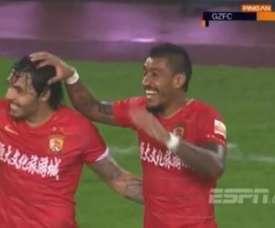 Paulinho marcou duas vezes na vitória contra o Tianjin Quanjian. Captura/ESPN
