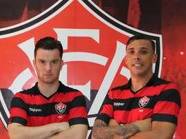 Botelho y Baumjohann, nuevos jugadores de Vitória, de la Liga Brasileña. ECVitória