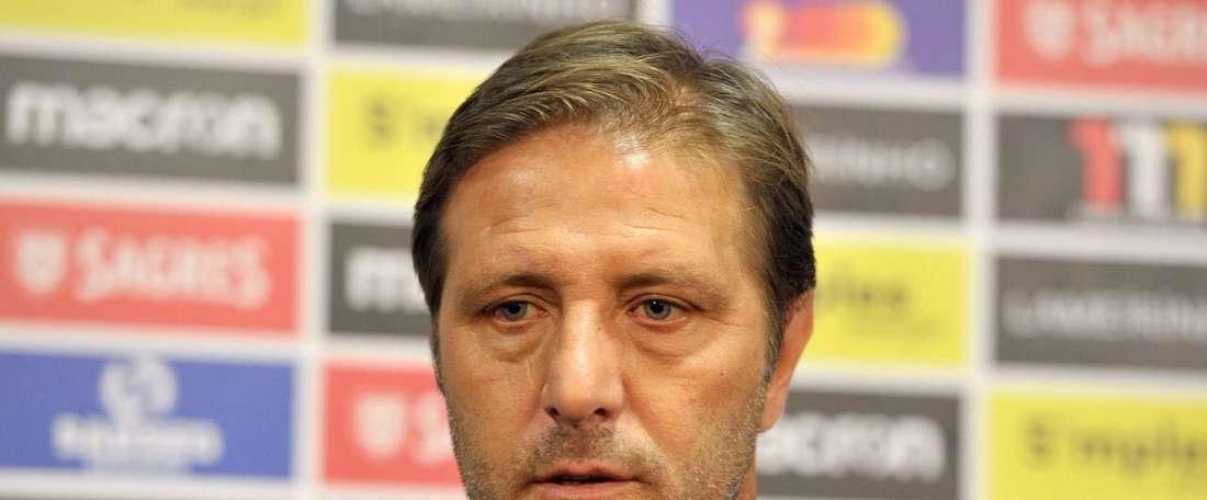 A Oliveirense não deu qualquer hipótese ao Vitória de Guimarães. Twitter