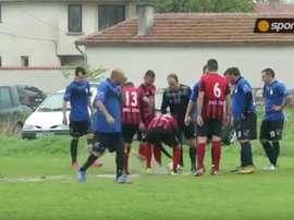 Pelea acuática entre los jugadores de Levski de Chepintsi y el Lokomotiv de Sofía. SportHD