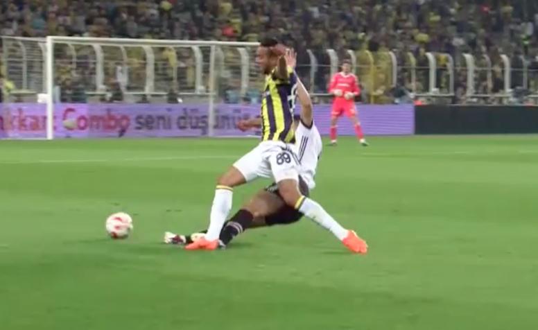 Pepe a été expulsé par l'arbitre de ce choc turc. Capture