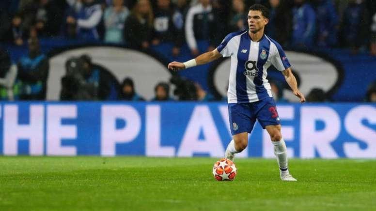 Pepe sufrió molestias físicas. FCOporto