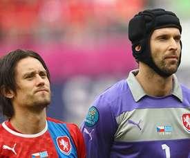 Petr Cech y Thomas Rosicky, dos de los jugadores más reconocibles en la República Checa. AFP/EFE