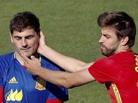 Piqué e Casillas trocaram provocações nas redes sociais. EFE
