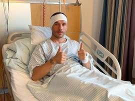 Podolski opéré à cause d'une infection à l'oreille. Twitter/Podolski10