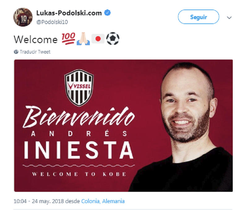 Podolski le dio la bienvenida a Iniesta. Twitter