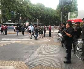 La Policía blindó la llegada de Gimnasia. Twitter/DamianAvillagra