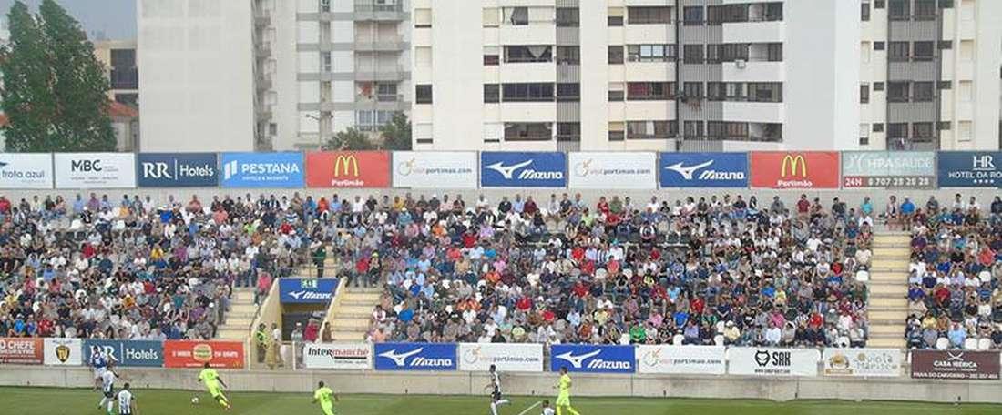 Algarvios voltaram às derrotas e adiaram a subida de divisão. Facebook
