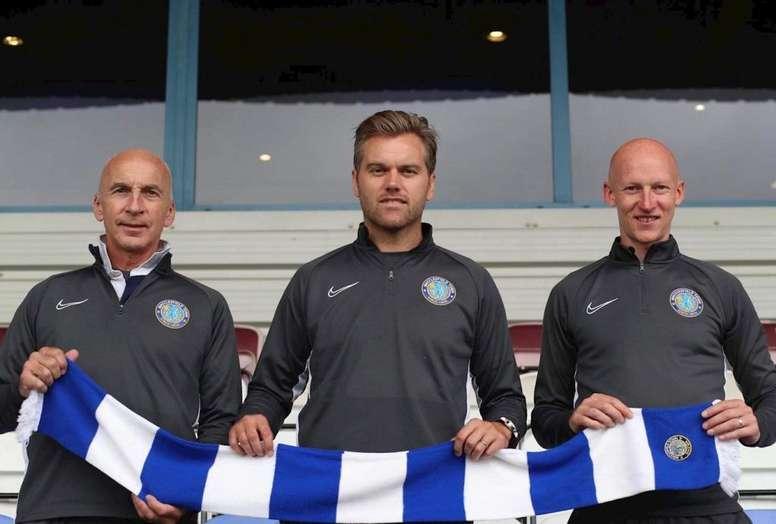 El Macclesfield Town ya tiene sustituto para Sol Campbell. MacclesfieldTown