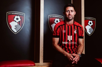 Gary Cahill is now a Bournemouth player. AFCBournemouth
