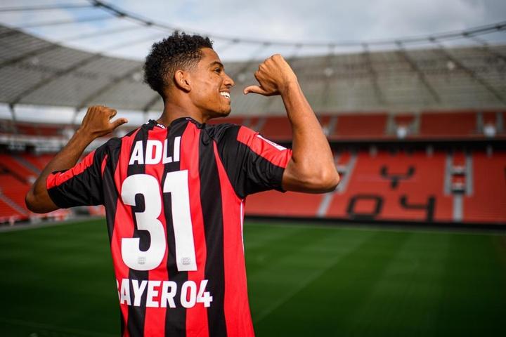Amine Adli aterriza en el Bayer Leverkusen. Twitter/bayer04fussball