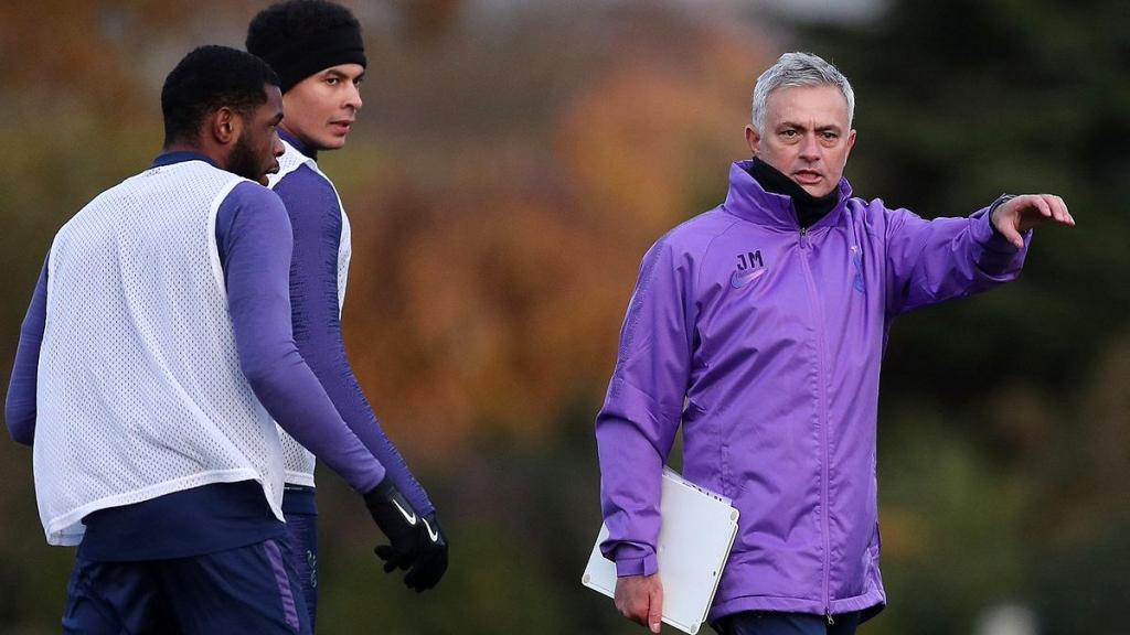 Mourinho's Spurs prepare for Champions League