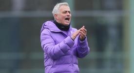 Nada de reforços para Mourinho em janeiro. Twitter/SpursOfficial