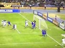 Reinaldo fez história com este gol. Youtube