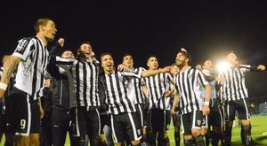 Los argentinos recibirán un nuevo refuerzo para la zaga. GimnasiayEsgrimaOficial