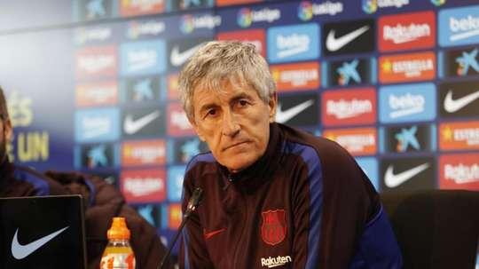 Setién foi perguntado especificamente sobre o brasileiro Arthur. Twitter/FCBarcelona_es