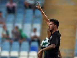 Rabiola celebra su tanto, el del empate de Académica ante Estoril. Twitter